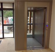 La DSDN de Foix installe un ascenseur intérieur 1