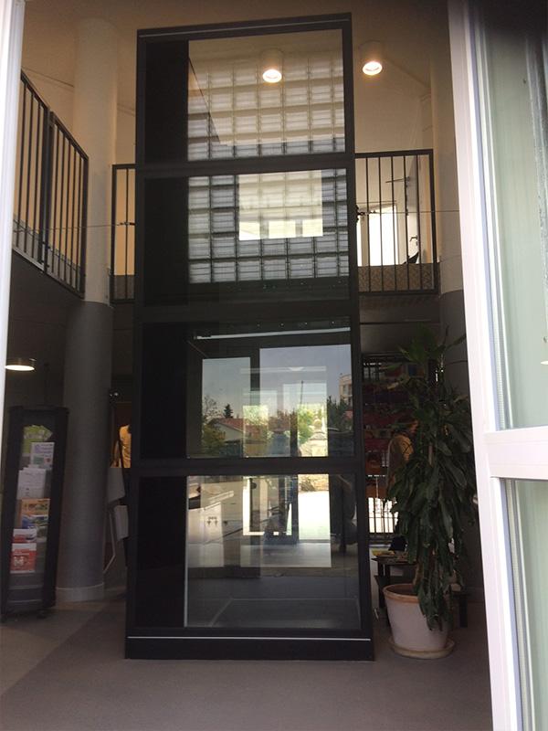Midilev installe l 39 ascenseur des maisons pour tous de for Ascenseur de maison
