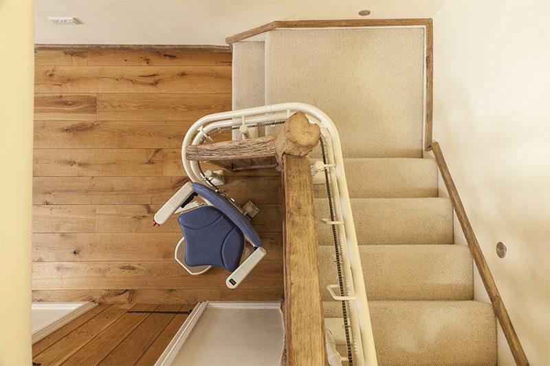 Chaise Monte escaliers 6